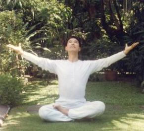 Love Descends on Me in Jesus Sitting Qigong